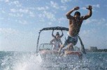 Summer like a celebrity: 4 easy ways to go boating